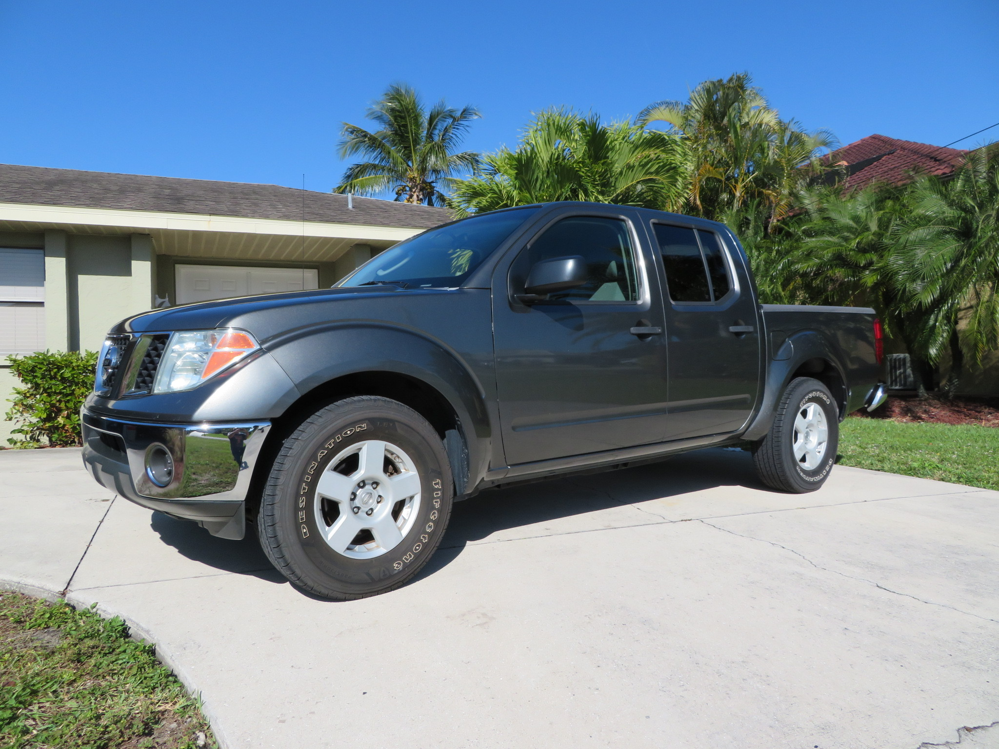 2005 Nissan Frontier SE Crew Cab. One Owner! Low Miles!                             $8950.00